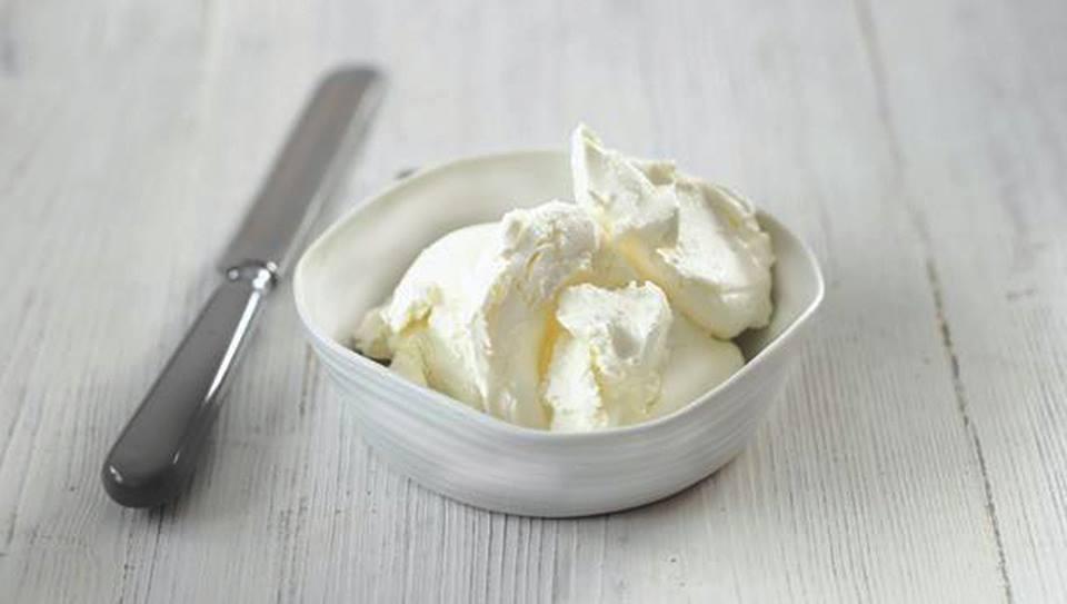 Πώς φτιάχνω πιο ελαφριά την κρέμα γάλακτος