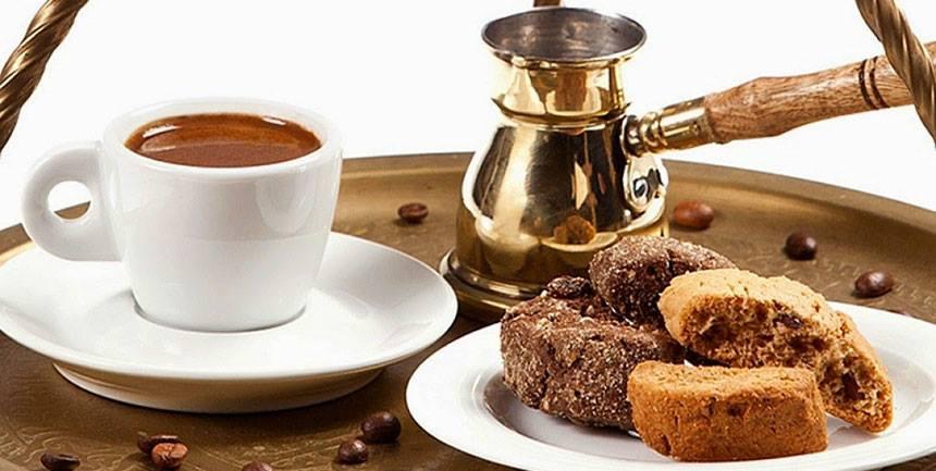Ελληνικός καφές + ένα μυστικό Σμυρνέϊκο