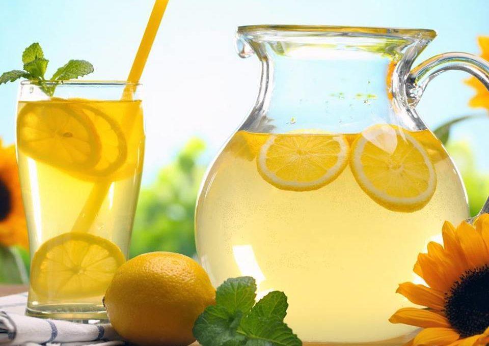 4 μυστικά για απίθανη σπιτική λεμονάδα