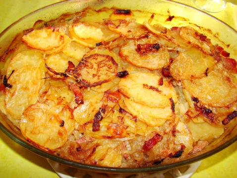 Πατάτες με κρεμμύδια