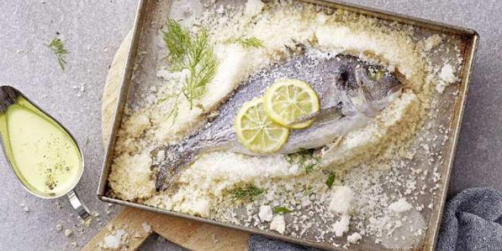 Ψάρι στο αλάτι