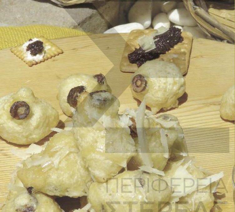 Λουκουμάδες αλμυροί με ελιές