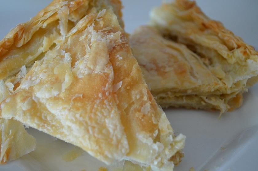 Κρεμμυδοκουλούρα ή κρεμμυδόπιτα (σπεσιαλιτέ Πηλίου-Τρίκερι)