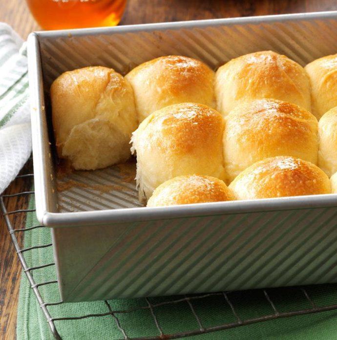 Χρυσά ψωμάκια με γλάσο μελιού