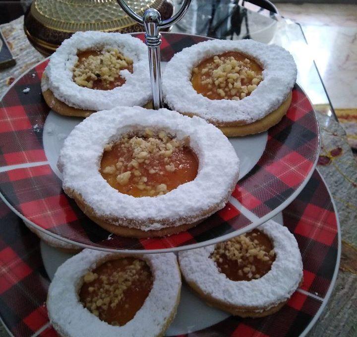 Μπισκότα Χριστουγέννων με μαρμελάδα