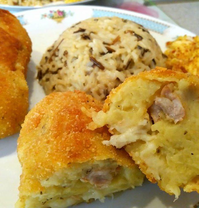 Κροκέτες κοτόπουλου με πουρέ πατάτας
