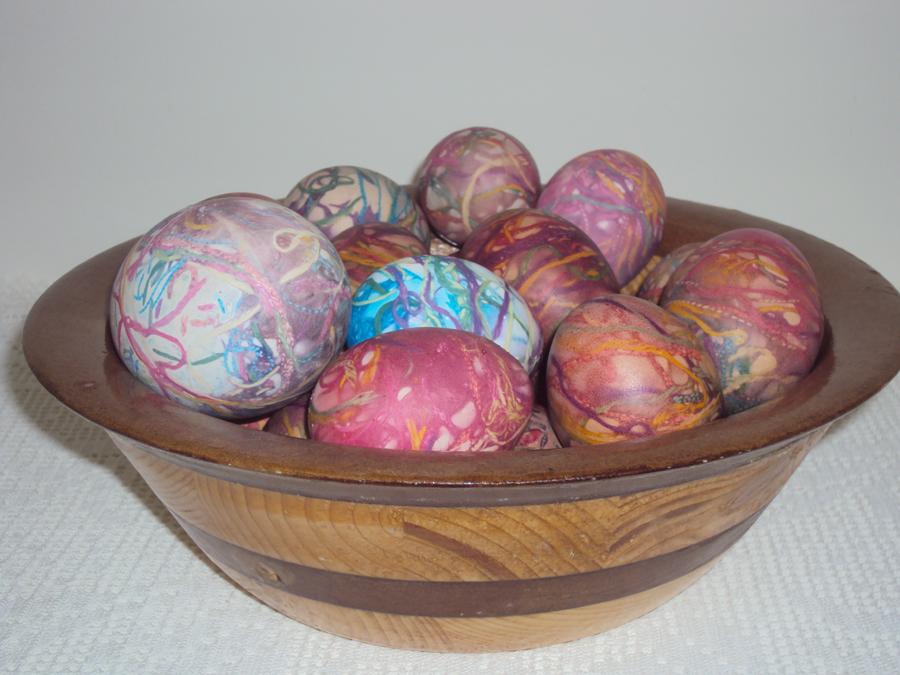 Πώς βάφω αυγά με κλωστές