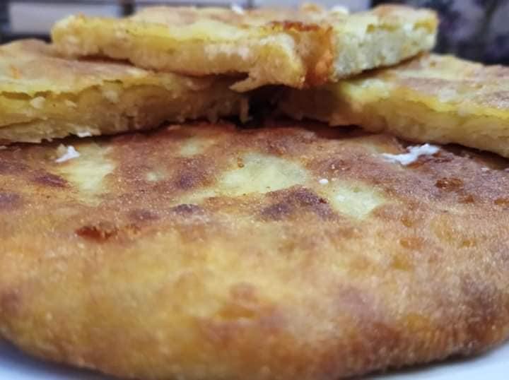 Τηγανόψωμα με τυρί