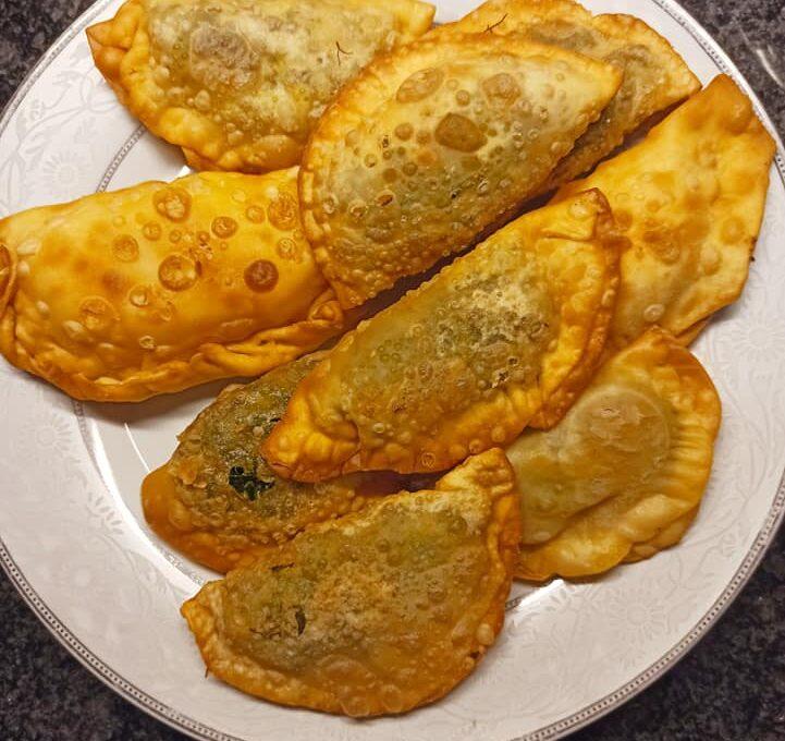 Καλιτσούνια (καλτσούνια) με μάραθο τηγανιτά