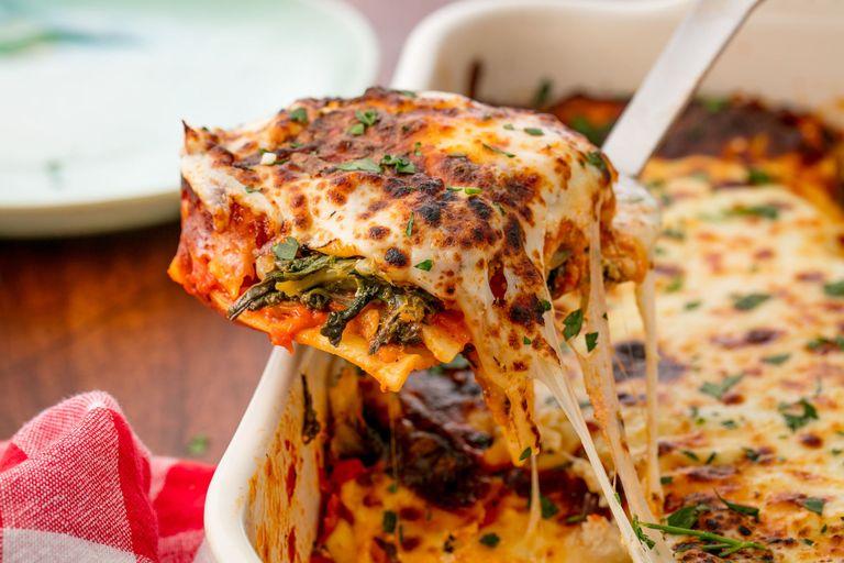 Λαζάνια με σπανάκι και τυριά στον φούρνο