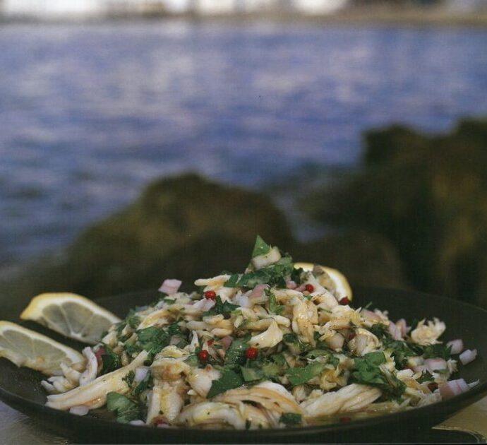 Σαλατούρι (ψαροσαλάτα) ο ουζομεζές της Νάξου