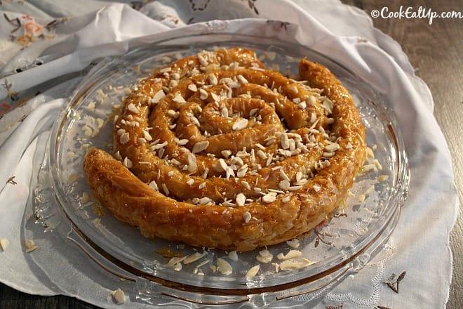 M' hanncha (το φίδι του Μαρόκο) σιροπιαστό γλυκό