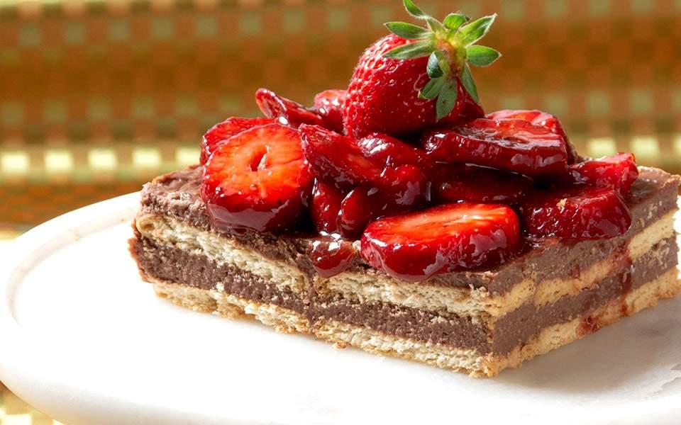 Μπισκοτογλυκό με φράουλες