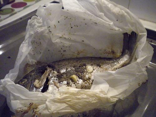 Τσιπούρα ή άλλο μεγάλο ψάρι στην λαδόκολλα