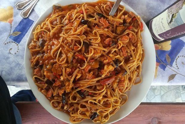 Pasta ala Norma (μακαρόνια με μελιτζάνες)