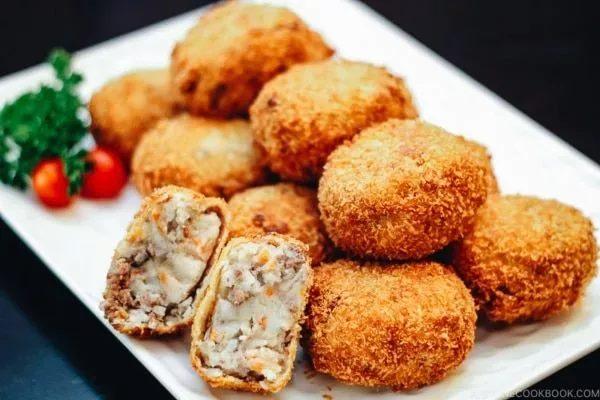 Κροκέτες πατάτας-κιμά από Ιαπωνία (πατατοκροκέτες)