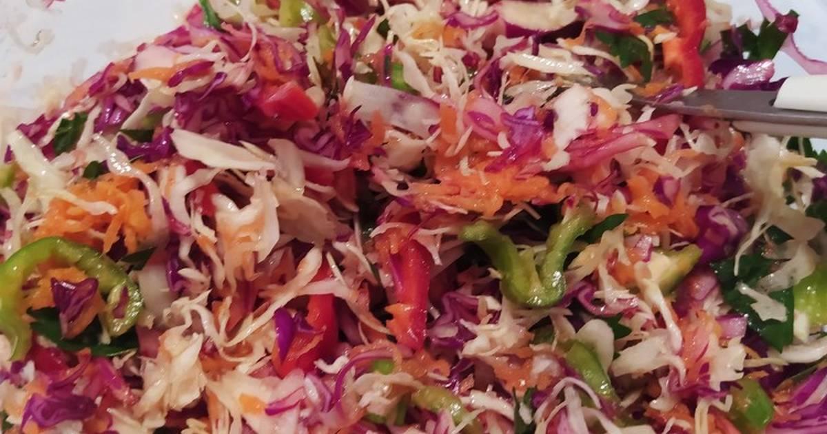 """Πολίτικη σαλάτα με λάχανο (""""Πικάντικη"""")"""