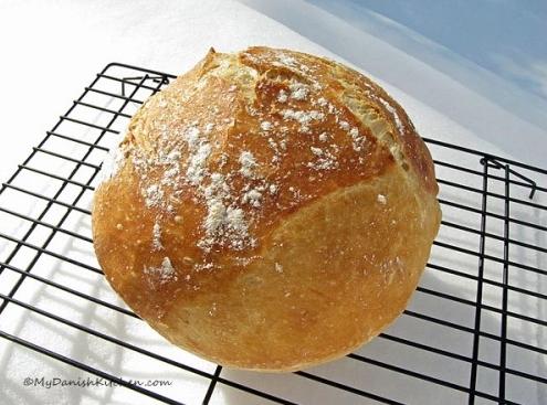 Ψωμί Δανίας απλό χωρίς ζύμωμα