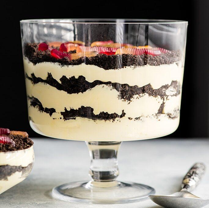 Dirt Cake (Αμερικάνικο κέικ ποτηριού σε στρώσεις, σαν trifle)
