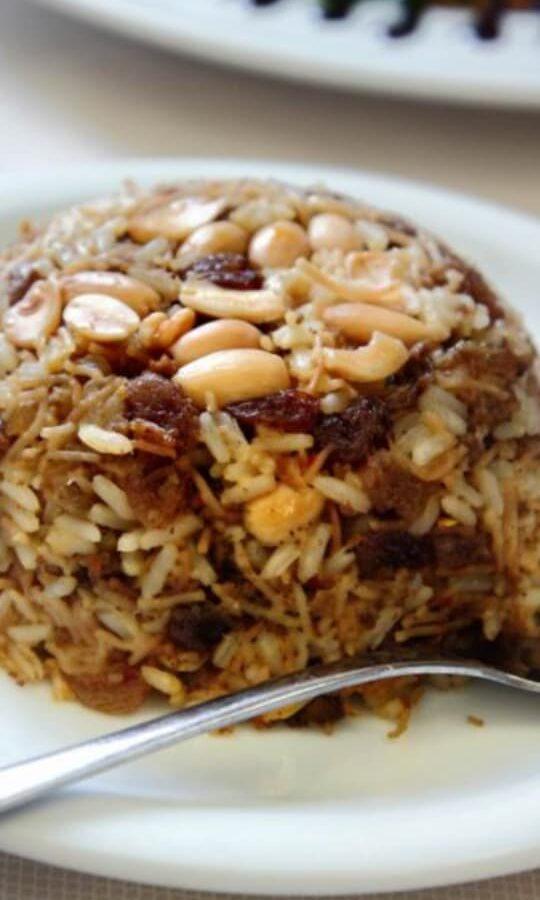 Πιλάφι Αιγύπτου (ρύζι με ξηρούς καρπούς και φιδέ)