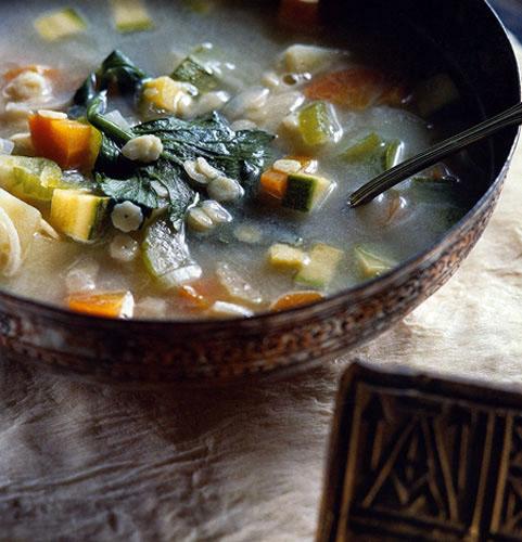 Σούπα με ταχίνι και λαχανικά (αλάδωτη-νηστίσιμη)