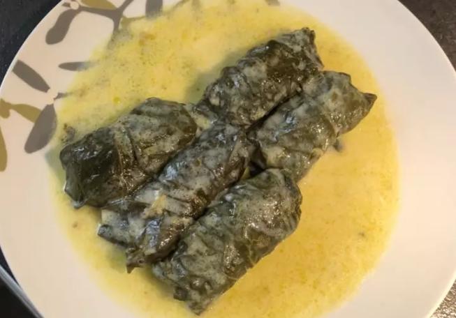 Ντολμάδες με φύλλα λαχανίδας