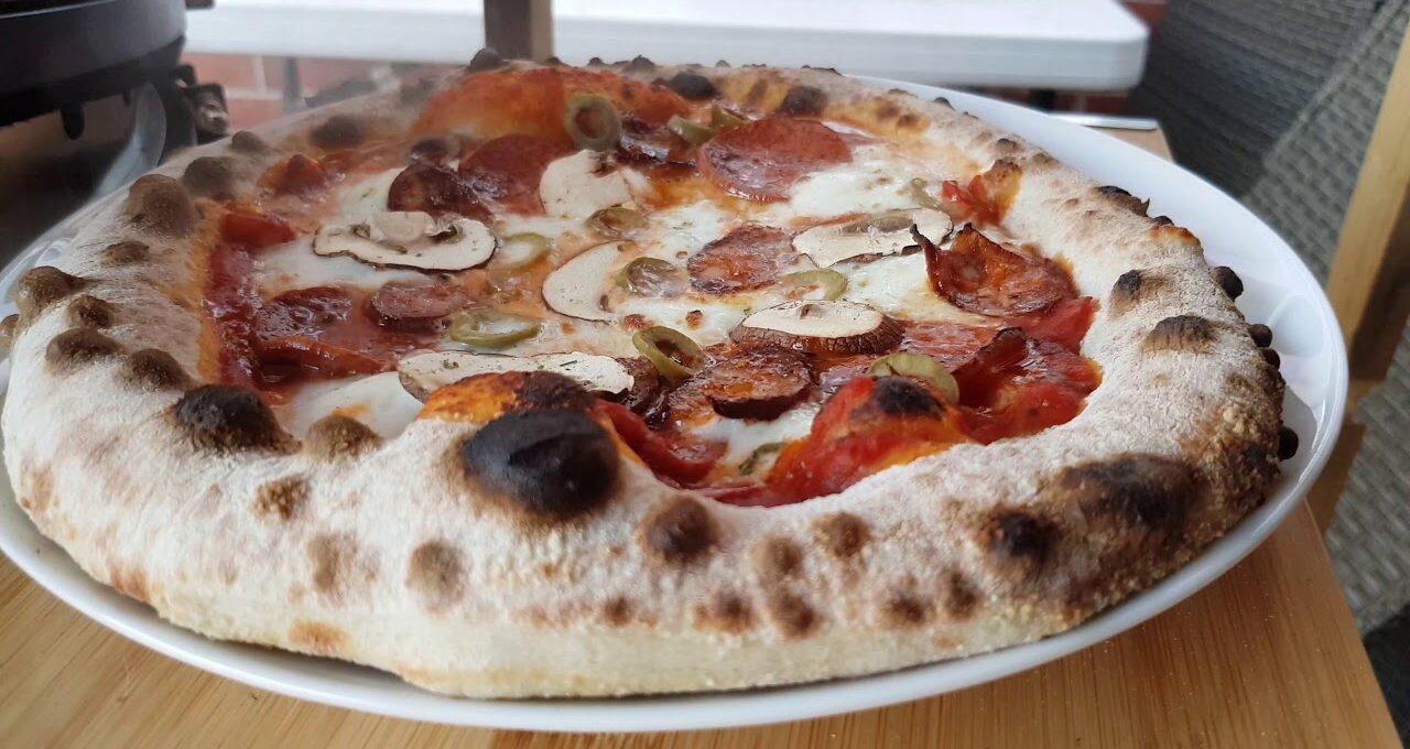 Ζύμη πίτσας με προζύμι poolish (γαλλικό προζύμι)