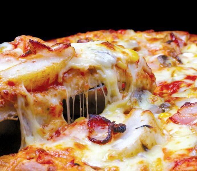 Ζυμάρι για πίτσα με 2 υλικά