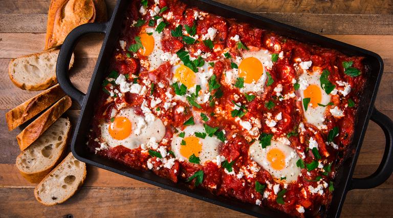 Σακσούκα (Shakshuka) αυγά με ντομάτα και πιπεριά