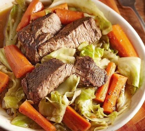 Μοσχαράκι με καρότο και λάχανο στην κατσαρόλα