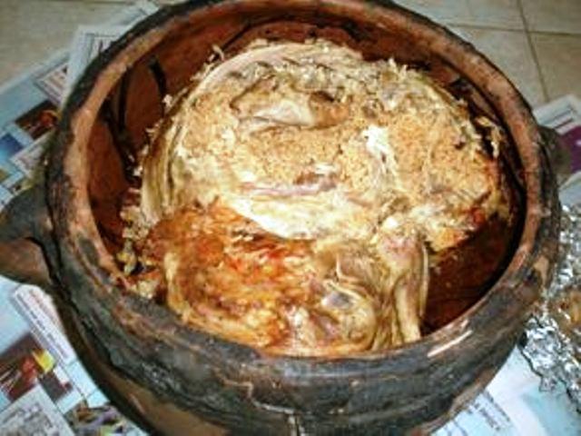 Μουούρι ή Μαούρι (Αρνάκι στον φούρνο) σπεσιαλιτέ Καλύμνου