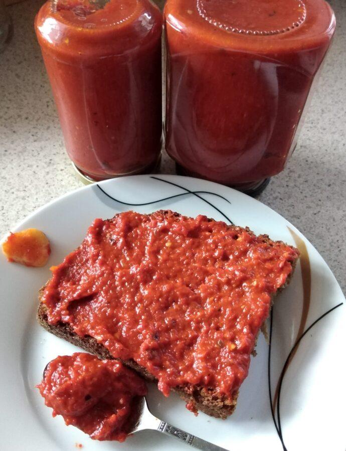 Σάλτσα ντομάτα -πάπρικα (με κράνα)