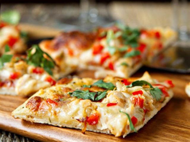 Pizza Πίτσα express με ψωμί του τοστ